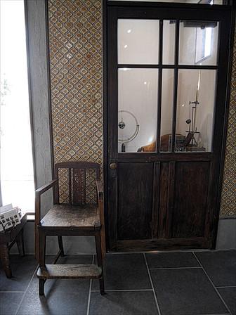 出入口の扉