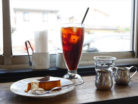 アイスコーヒーとカボチャプリン