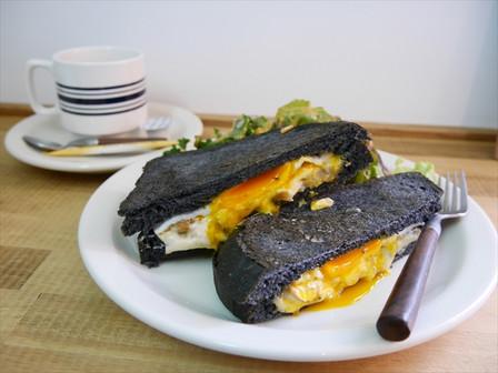 グリルドマッシュルームのサンドイッチ