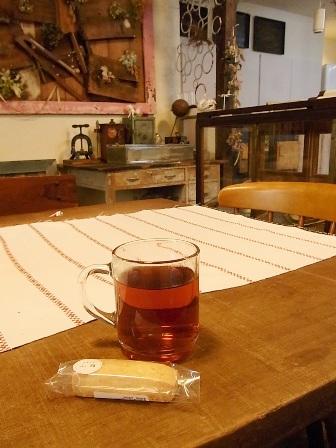 紅茶とお菓子