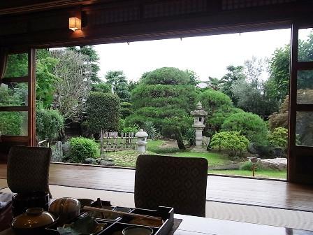 客室からの庭園