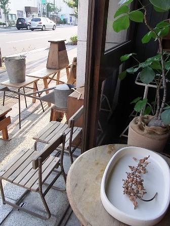 古椅子たち