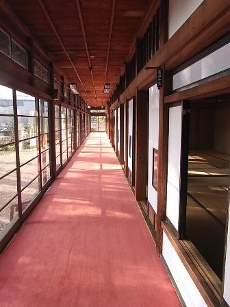 別館の外廊下